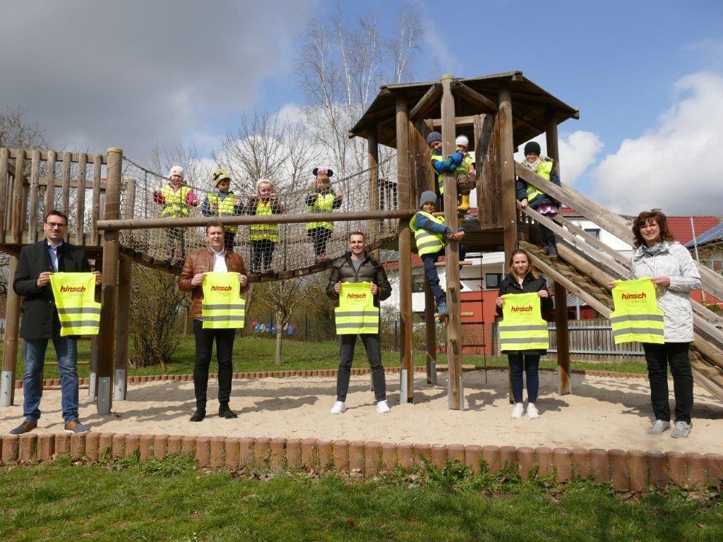 Read more about the article Warnwesten an Kindergärten in Ellwangen gespendet